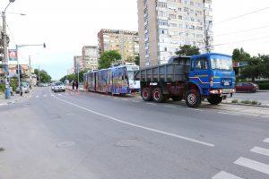 tramvai tractat de o raba in Craiova